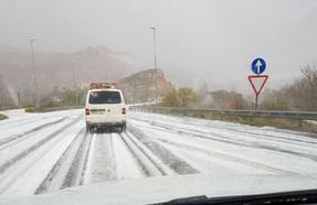Una granizada sorprende a La Rioja Baja y dificulta la conducción
