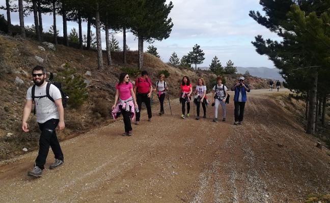 MÁS DE 120 PERSONAS EN LA XV MARCHA A PEÑA ISASA