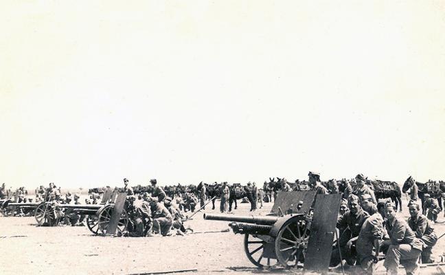 Prácticas  de artillería en La Rad
