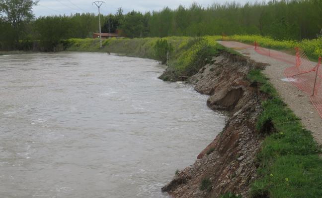 Alfaro estudia reubicar los pozos de captación y continuará reforzando los mazones del Ebro