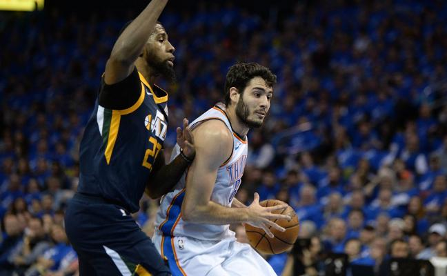 Abrines supera a Rubio en el 'play off' de la NBA