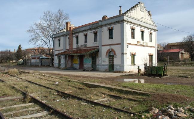 El viejo ferrocarril Soria-Castejón recibe el apoyo de alcaldes de otras regiones