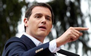 Rivera avanza que habrá más fichajes como el de Valls para 2019