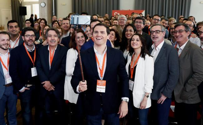 Rivera apuesta por más fichajes estrella para asaltar los gobiernos en el 2019