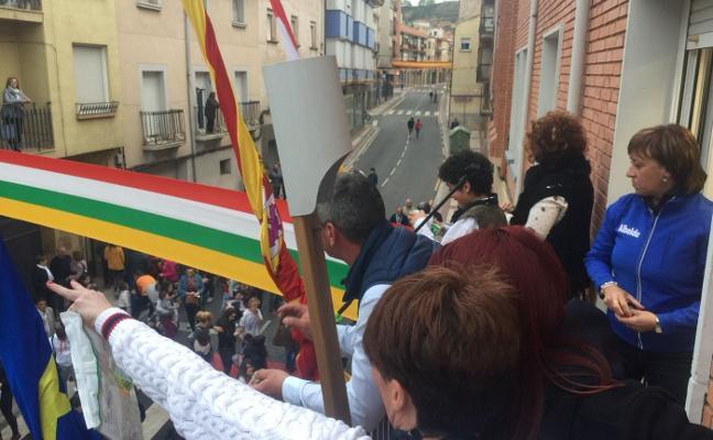 El pregón y el cohete sumergen a Albelda en cinco días festivos por San Prudencio