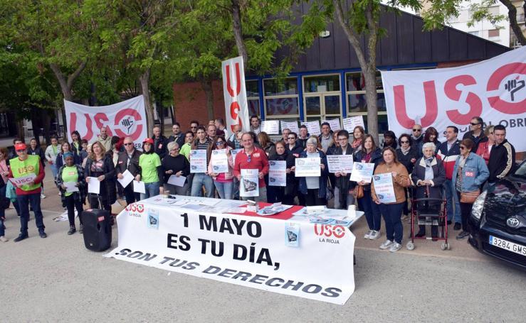 Concentración de USO en la plaza Primero de Mayo de Logroño
