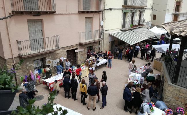 El mercado artesanal tuvo cuarenta puestos