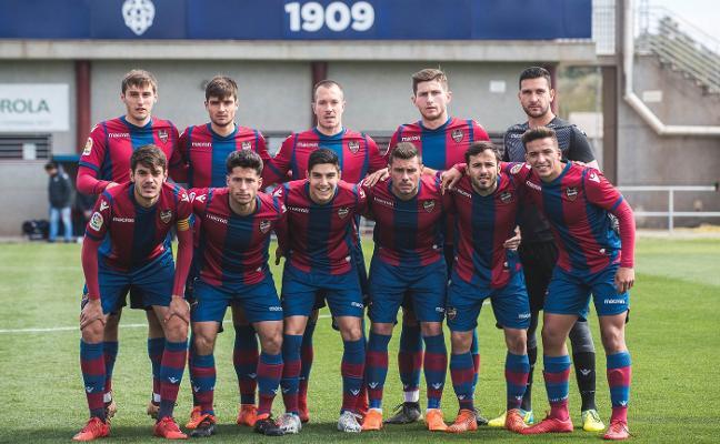 Un equipo con jugadores de Tercera y Primera División
