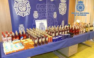 Dos detenidos por robar 111 botellas de bebida por valor de 1.600 euros
