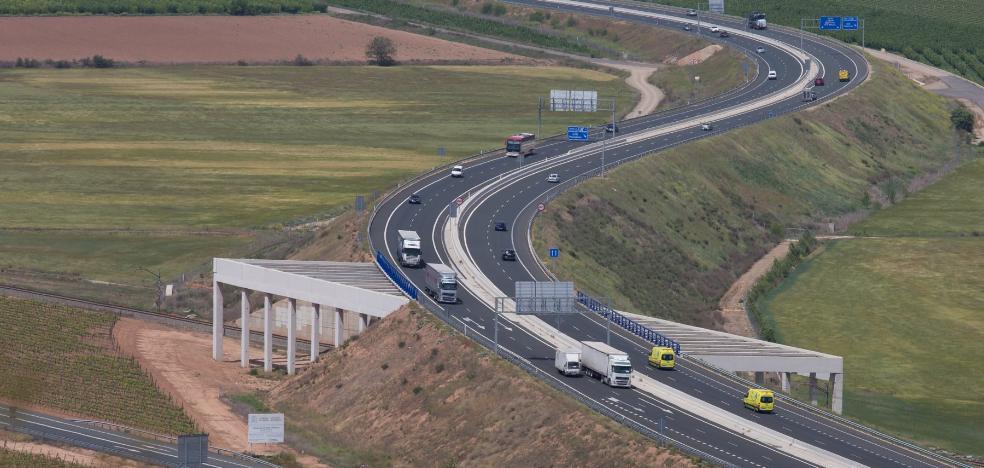 La patronal nacional del transporte acude a la Justicia para devolver los camiones a la N-232