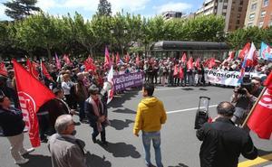 Concentración de UGT y CCOO para exigir la derogación de la reforma de las pensiones de 2013