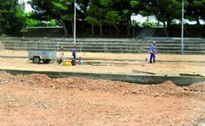 Se retoman los trabajos de reforma de las pistas de tenis tras 6 meses paradas