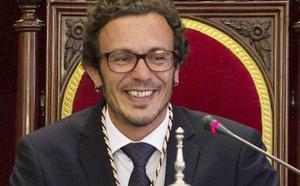 'Kichi' reivindica el compromiso de Podemos de «vivir como la gente corriente»