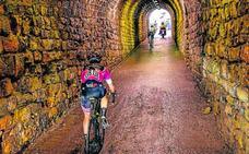 Froome sale del túnel en el Zoncolan