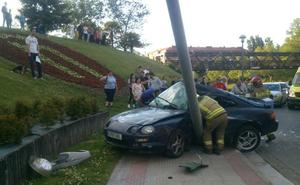 Espectacular accidente en la rotonda de la Eñe de Logroño