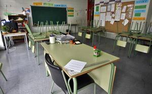 El PSOE pide actuar ante el descenso generalizado del alumnado