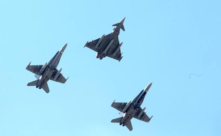 Más aviones del ejército sobrevuelan Logroño