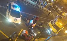 Un herido en un accidente entre una motocicleta y un coche