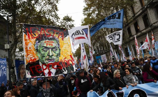 Profesores de toda Argentina se levantan contra Macri