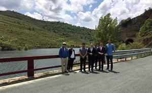 El Ejecutivo riojano mejora la seguridad en dos puentes en la carretera de acceso a Mansilla