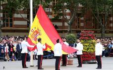 La bandera ya ondea en Logroño