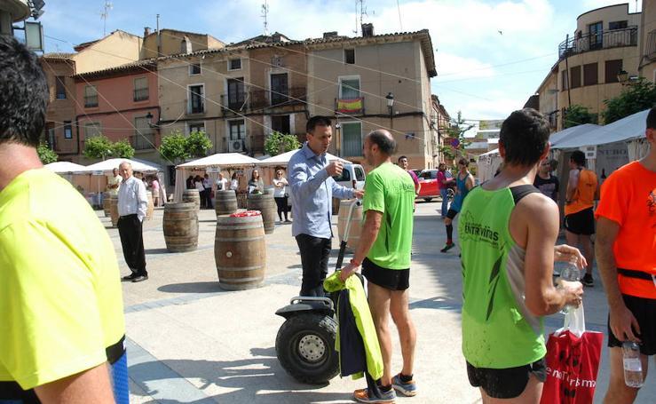 Marcha solidaria y carrera Runners & Wine en Aldeanueva (I)