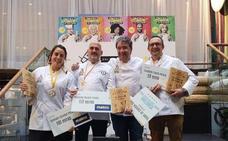 Ángel Palacios, del grupo 'Cocinar a Ciegas', ganó ayer el premio 'Cocinicas de Oro' de Zaragoza