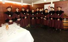 González, Reinares, Mélida y Raposo se incorporan a la Cofradía del Vino