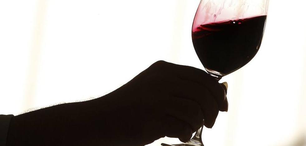 El CIBIR busca una 'superbebida' inspirada en el vino con efectos neuroprotectores