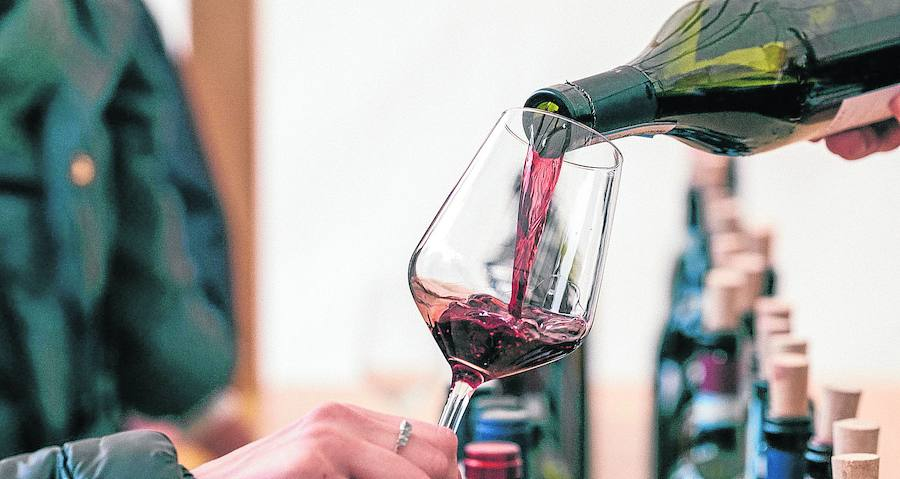 'Noches de Vino , Días de Rioja' reunirá a 28 bodegas en la plaza de La Ribera