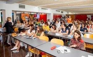 Más de 60 bodegas participan en la DOCa en una jornada sobre enoturimo de empresas
