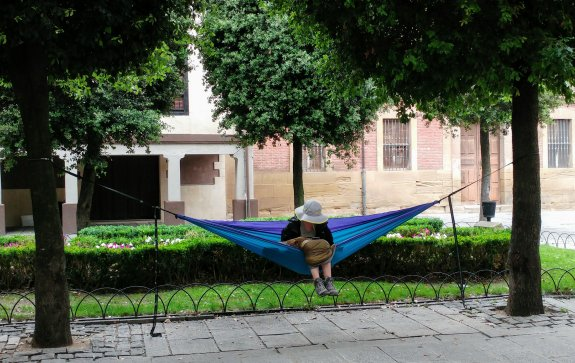 Un descanso 'colgada' en la plaza de la Alameda