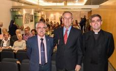 La presentación del libro sobre el 'Padre Jandilla' reunió a un centenar de personas