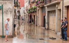 Una rotura en la red inunda garajes, lonjas y trasteros en Santo Domingo