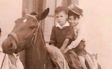José y 'el Ranchero', a caballo en Cervera