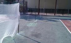 Vandalismo en las pistas de tenis de Cervera