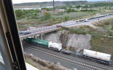 Podemos pide explicaciones por los trenes de mercancías en Los Lirios