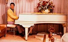 El histórico piano de cola de Elvis Presley, a subasta en eBay