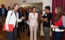 La infanta Elena entrega en Logroño tres premios de empleo social a entidades riojanas