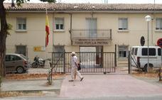 García Metola contesta al PP de Santo Domingo que «sí se va a derribar la vieja casa-cuartel»