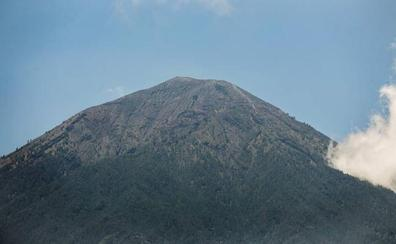 135.000 evacuados en Bali ante una inminente erupción volcánica