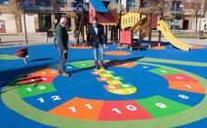 Comienza la renovación del suelo de 11 zonas de juego infantil