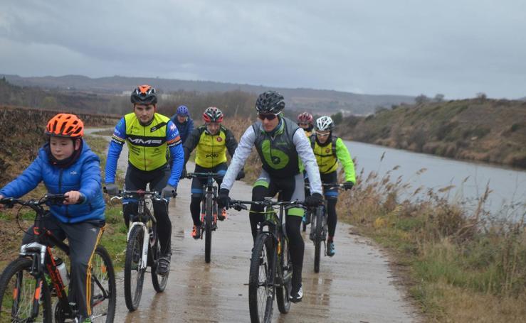 Paseo cicloturista con Carlos Coloma por Fuenmayor