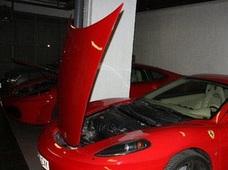 Detenido por cambiar la carrocería de un coche para transformarlo en un Ferrari y venderlo