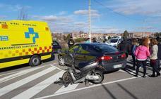 Una motorista resulta herida en un choque en el aparcamiento de Maristas