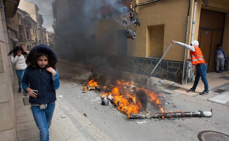Alfaro quema a sus Judas (II)