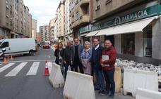 Comienza la reurbanización de la calle Cigüeña para «dar prioridad al peatón»