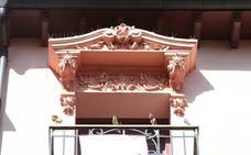 #Andestá: adorno en un balcón