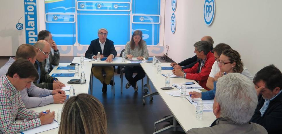 Garrido acusa a la oposición de «poner voz a las posturas más radicales de la extrema izquierda animalista»