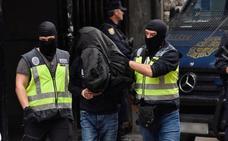 Los yihadistas detenidos en Vizcaya y Murcia maltrataban a sus parejas para convertirlas